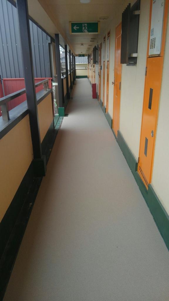 枚方市Mハイツ廊下・階段長尺シート貼付け工事の施工後