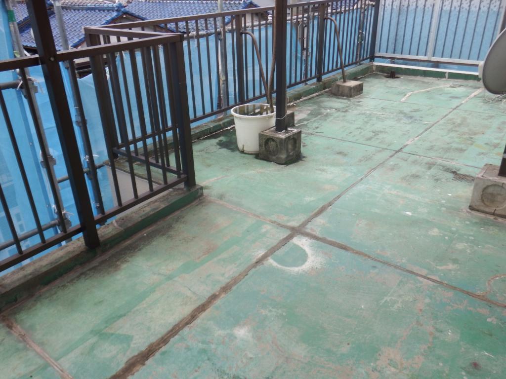 大東市 T様邸 ウレタン防水改修工事の施工前